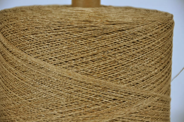 #689 Wax paper straw 2